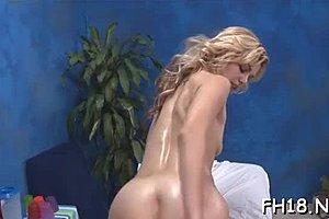 Ξανθιά μεγάλα βυζιά μουνί
